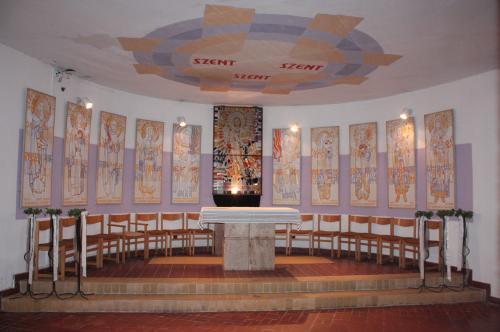 isten keresi a nők számára a szentély)